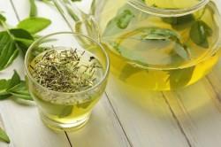 Польза зеленого чая для женщин при климаксе