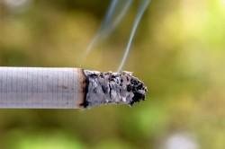 Сигаретный дым - причина приливов