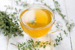 Использование травяного чая из чабреца при климаксе