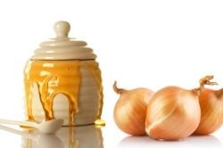 Лук и мед для лечения миомы матки