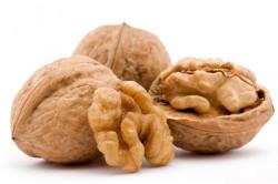 Польза грецких орехов при лечении кисты яичника